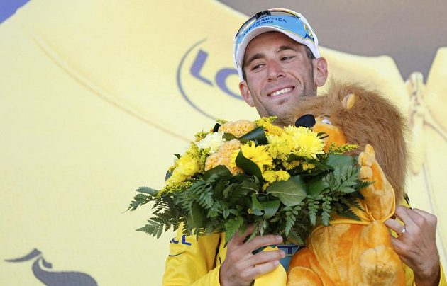 Lídr Tour Vincenzo Nibali z Itálie.