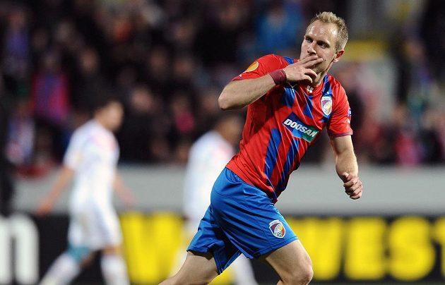Plzeňský záložník Daniel Kolář oslavuje gól na 1:1 v odvetě osmifinále Evropské ligy proti Lyonu.