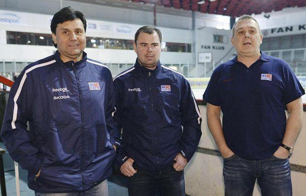 Trenérský triumvirát české hokejové reprezentace - zleva hlavní kouč Vladimír Růžička a jeho asistenti Jaroslav Špaček a Ondřej Weissmann.