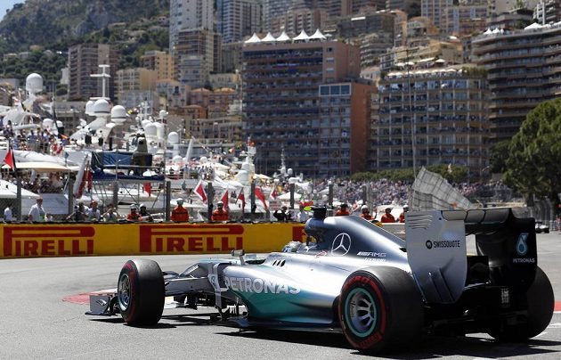 Němec Nico Rosberg při kvalifikaci na Velkou cenu Monaka.