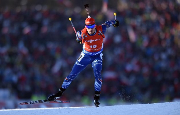 Michal Šlesingr během sprintu v rámci Světového poháru v biatlonu ve Vysočina Areně v Novém Městě.