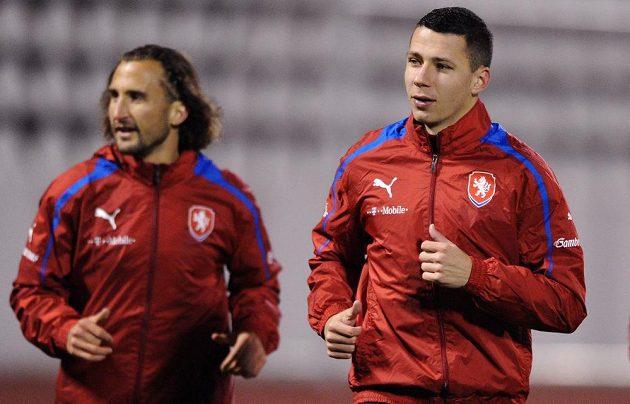 Marek Suchý (vpravo) a Petr Jiráček během tréninku české fotbalové reprezentace před přátelským utkáním s Kanadou.