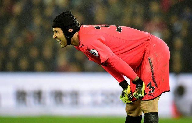 Brankář Petr Čech v utkání Premier League se Swansea třikrát inkasoval a Arsenal odjel s prázdnou.