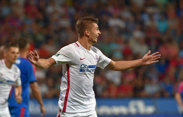 Florin Tanase se raduje z gólu na 3:1.