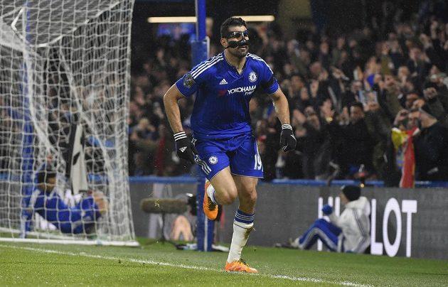Útočník Chelsea Diego Costy se raduje ze vstřelené branky v zápase 26. kola anglické Premier League proti Newcastlu.