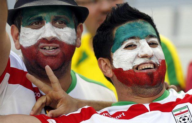 Fanoušci Íránu v utkání proti Nigérii.