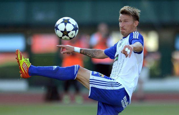 Znojemský útočník Marek Heinz během utkání 1. kola Gambrinus ligy s Duklou Praha.