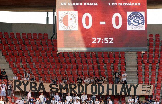 Fanoušci Slovácka na Slavii.