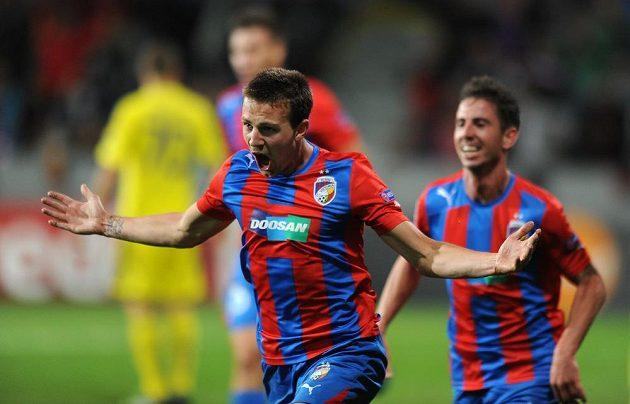 Vladimír Darida se raduje z gólu do sítě Mariboru.