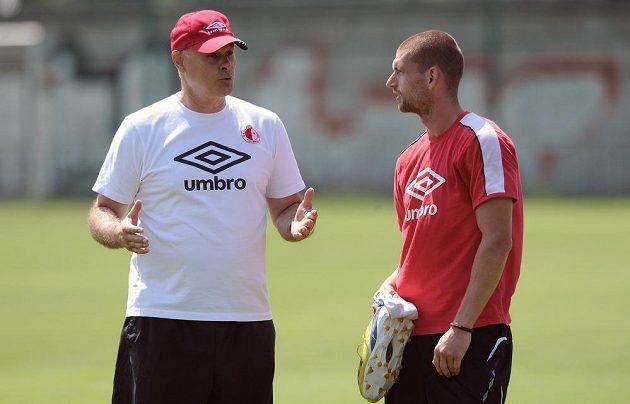 Nový asistent trenéra Slavie Juraj Šimurka (vlevo) a obránce Martin Juhar.