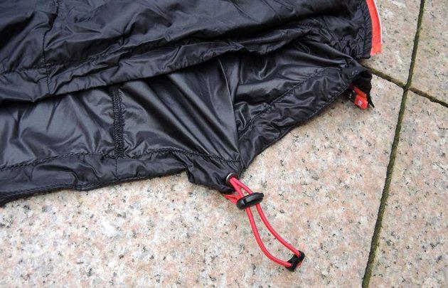 CompresSport Trail Hurricane Jacket - detail stahování v pase.