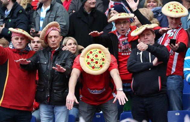 Slupneme vás jako pizzu! Proroctví velšských fanoušků se v Itálii nakonec naplnilo.