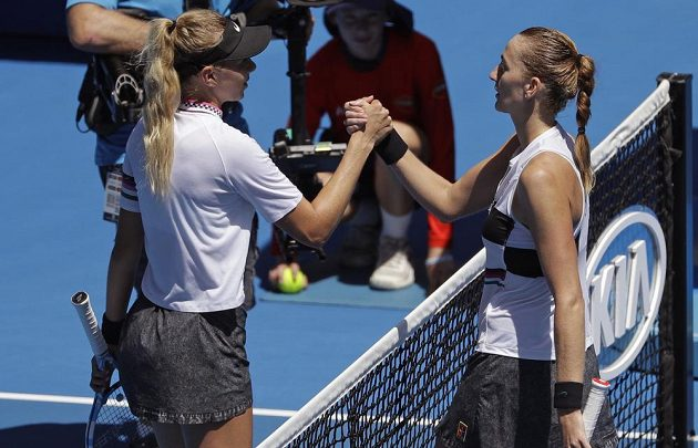 Petra Kvitová (vpravo) po výhře nad Amandou Anisimovovou.