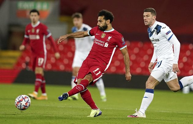 Liverpoolský Mohamed Salah během utkání 4. kola Ligy mistrů proti Bergamu.