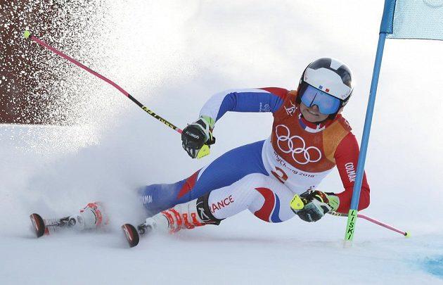 Francouzka Tessa Worleyová na trati olympijského obřího slalomu žen.
