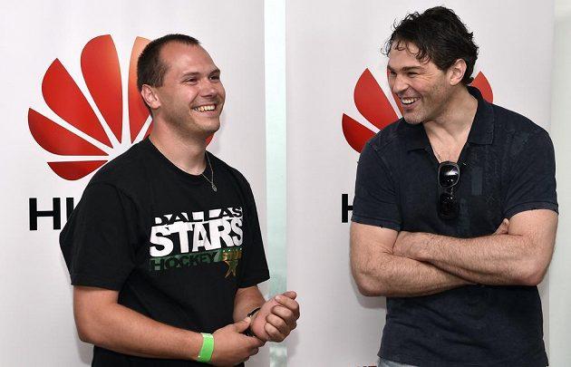 Jaromír Jágr s jedním z výherců fantasy k MS v hokeji.