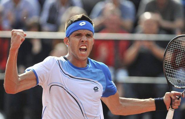 Jiří Veselý se raduje z vítězství v turnaji Prosperita Open.