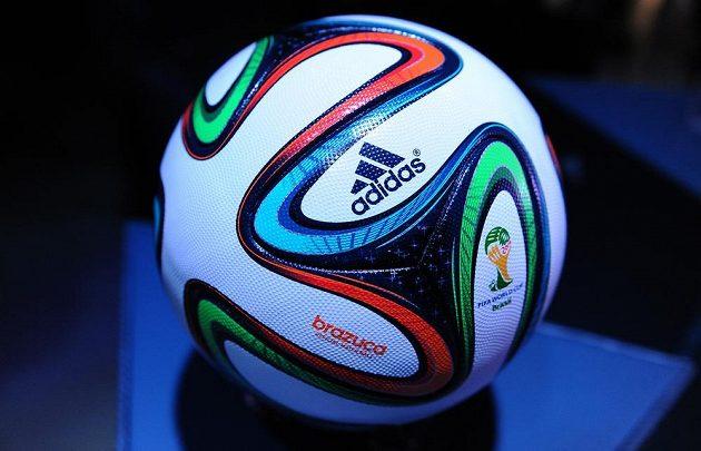 Představení oficiální míče pro MS 2014 ve fotbale Brazuca.