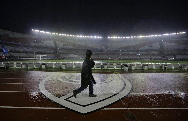 Počasí fotbalovému taháku Argentina - Brazílie nepřálo.