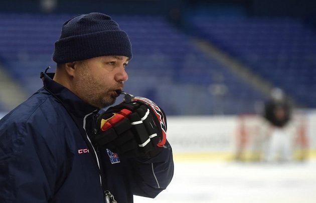 Asistent trenéra Jiří Kalous.