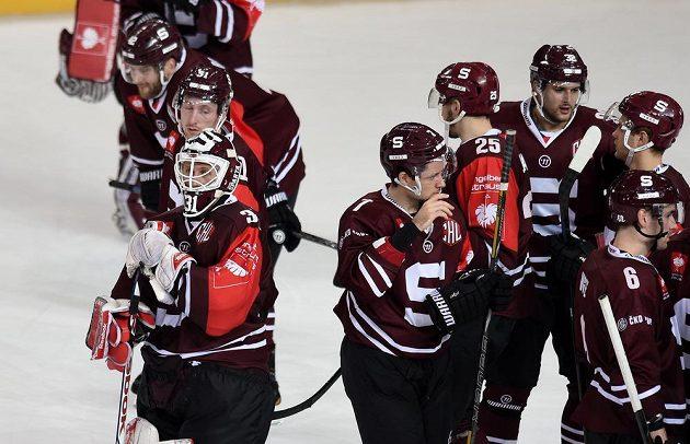 Hokejisté Sparty po prohraném prvním osmifinále s Linköpingem.