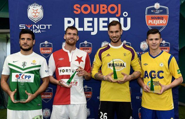 Defilé vítězů - zleva José Antonio Romera (přesnost střelby), Martin Juhar (tvrdost střelby), Milan Švenger (přímé kopy) a Egon Vůch (slalom s míčem).