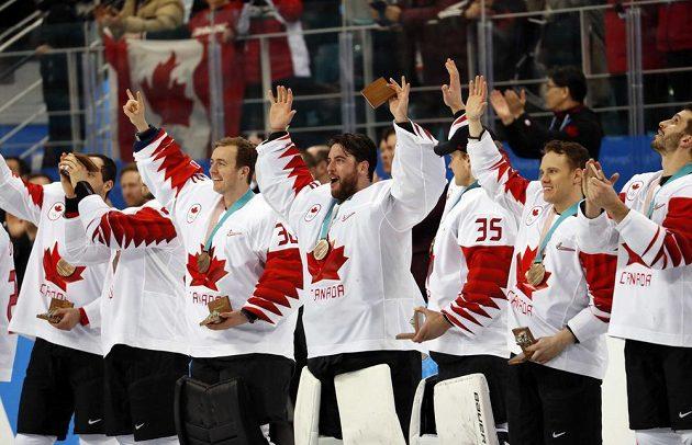 Kanadské mužstvo zvítězilo v utkání o bronz 6:4, Češi znovu bez medaile.