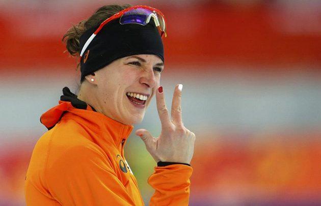 Vítězka závodu rychlobruslařek na tříkilometrové trati Ireen Wüstová z Nizozemí