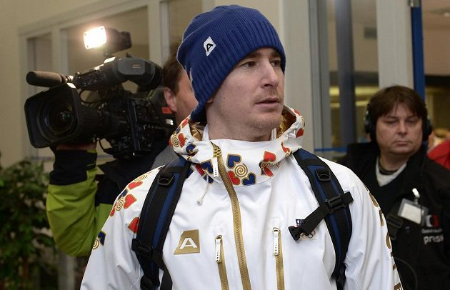 Sbaleno na hry měl i hokejista Roman Červenka.