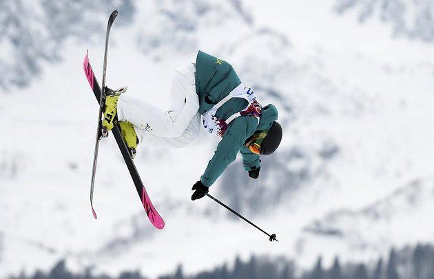 Australanka Anna Segalová v kvalifikaci slopestylu lyžařek.
