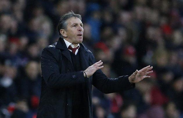Kouč Southamptonu Claude Puel během duelu s Liverpoolem.