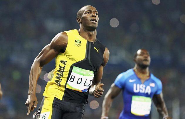 Jamajčan Usain Bolt (vlevo) znovu porazil Američana Justina Gatlina.