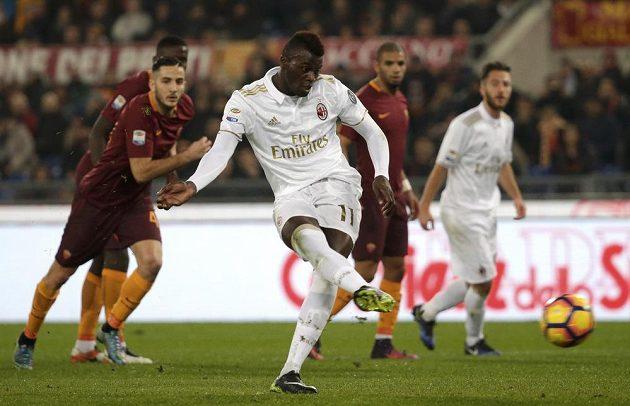 Niang z AC Milán neproměnil pokutový kop.