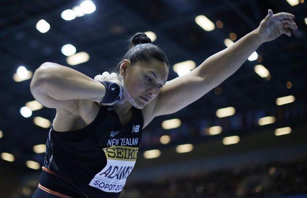 Valerie Adamsová, zlatá koulařka z Nového Zélandu.
