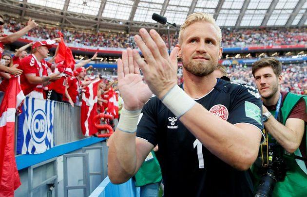 Dánové také jdou dál. Po remíze s Francií byl spokojen i gólman Kasper Schmeichel.