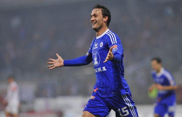 Martin Doležal z Olomouce se raduje z gólu proti Slavii.