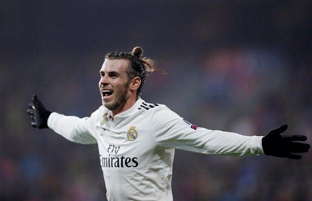 Gareth Bale se raduje z gólu, kterým zvýšil vedení Realu proti Plzni na 4:0.