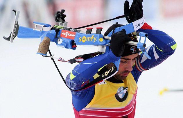 Francouzský biatlonista Martin Fourcade během čtvrtečního sprintu v kanadském Canmore.