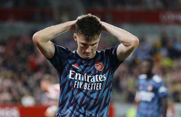 Zklamaný fotbalista Arsenalu Kieran Tierney.