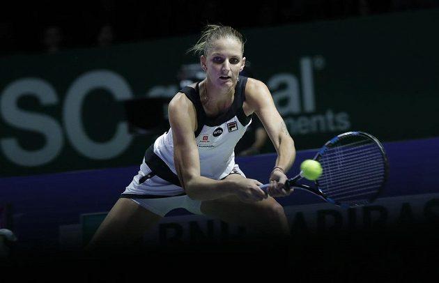 Česká tenistka Karolína Plíšková během zápasu s Ruskou Světlanou Kuzněcovovou.