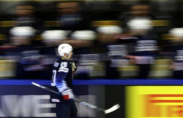 Američan Chris Kreider slaví gól proti Lotyšsku.