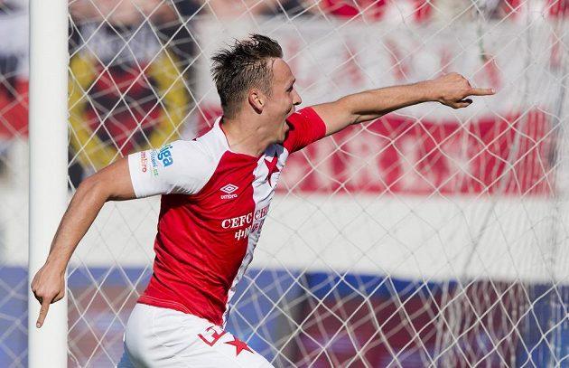 Stanislav Tecl ze Slavie se raduje z gólu proti Brnu v posledním ligovém kole.