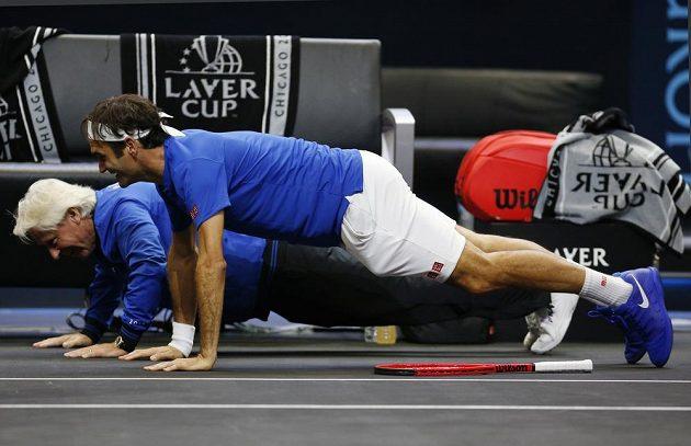 Björn Borg a Roger Federer si vyzkoušeli i pár kliků