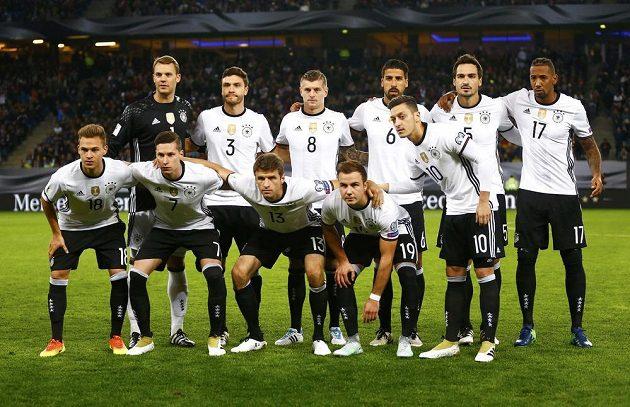Německá jedenáctka před utkáním s Českem v Hamburku.