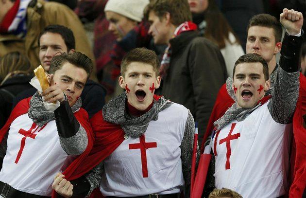 Nadšení fanoušci Anglie.