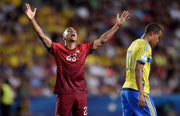 Portugalský záložník Joao Mário během finále mistrovství Evropy hráčů do 21 let se Švédskem.