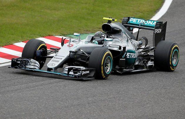 Nico Rosberg na čele závodu.