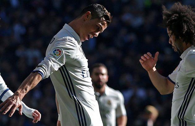Cristiano Ronaldo oslavuje svoji trefu proti Granadě.