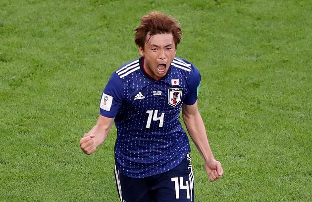 Japonský fotbalista Takaši Inui oslavuje vyrovnávací gól proti Senegalu.