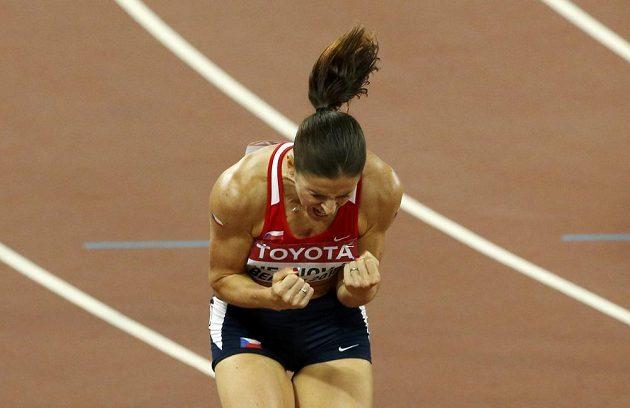 Zuzana Hejnová, zlatá ze závodu na 400 m překážek při MS v Pekingu.